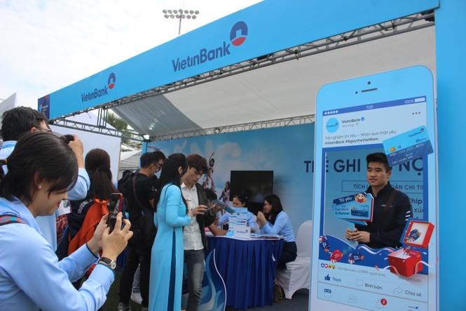 Nhiều công nghệ mới khiến giới trẻ xếp hàng chờ dùng thử tại Sóng Festival - ảnh 20