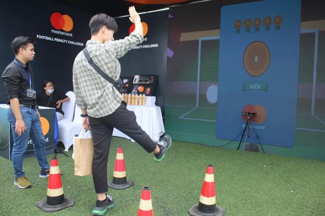 Nhiều công nghệ mới khiến giới trẻ xếp hàng chờ dùng thử tại Sóng Festival - ảnh 17