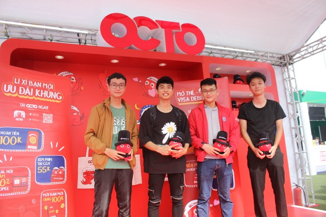 Nhiều công nghệ mới khiến giới trẻ xếp hàng chờ dùng thử tại Sóng Festival - ảnh 15