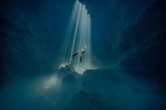 Chiêm ngưỡng 4 khoảnh khắc của Việt Nam lọt chung kết giải ảnh xuất sắc nhất năm - ảnh 22
