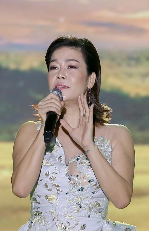 Showbiz 28/11: NSƯT Trần Lực 'khổ sở' giảm cân vào vai nhạc sĩ Trịnh Công Sơn - ảnh 7