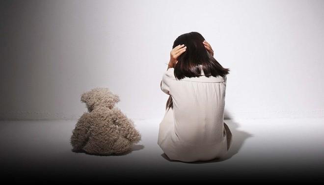 Mạng xã hội Trung Quốc 'bùng nổ' làn sóng phẫn nộ với bản án của kẻ hãm hiếp bé 5 tuổi - ảnh 1