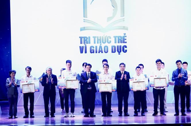 Từ điển cho người M'Nông giành giải 100 triệu đồng sáng kiến vì giáo dục - ảnh 3