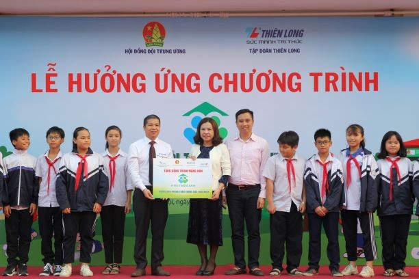 Học bổng từ rác thải mở rộng đến 10 trường học ở Hà Nội - ảnh 9
