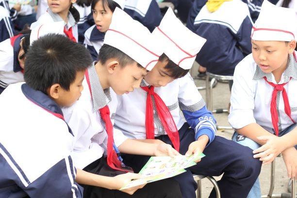 Học bổng từ rác thải mở rộng đến 10 trường học ở Hà Nội - ảnh 7