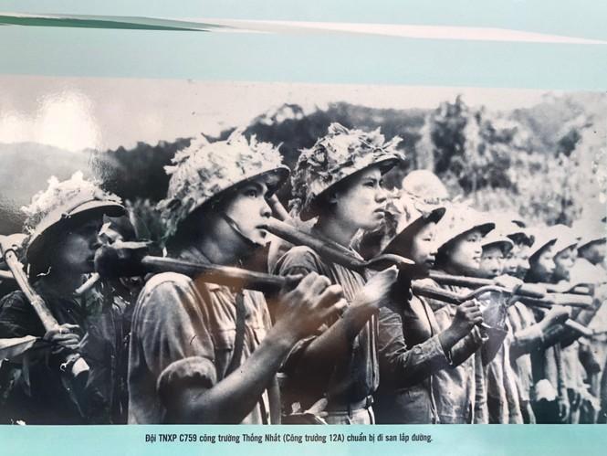 Tái hiện 70 năm hào hùng của TNXP Việt Nam qua ảnh, hiện vật - ảnh 5