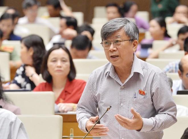 ĐBQH tranh luận với Bộ trưởng Trần Hồng Hà: Một dòng sông 'cõng' 8 thủy điện sẽ ra sao? - ảnh 1