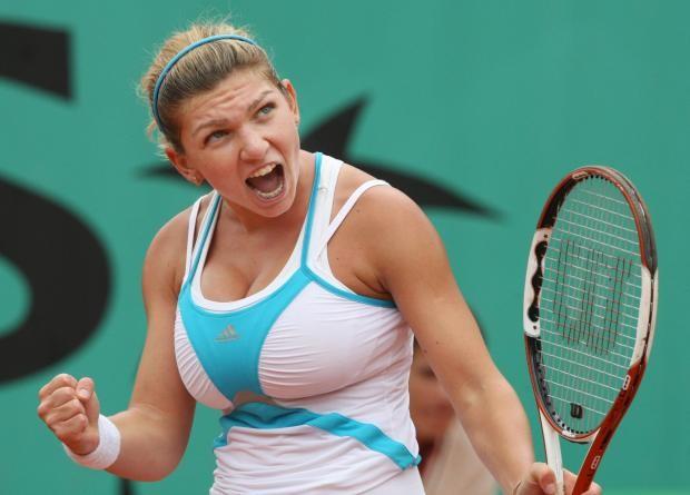 Nhà vô địch Wimbledon: Hy sinh ngực khủng để vươn tới vinh quang - ảnh 1