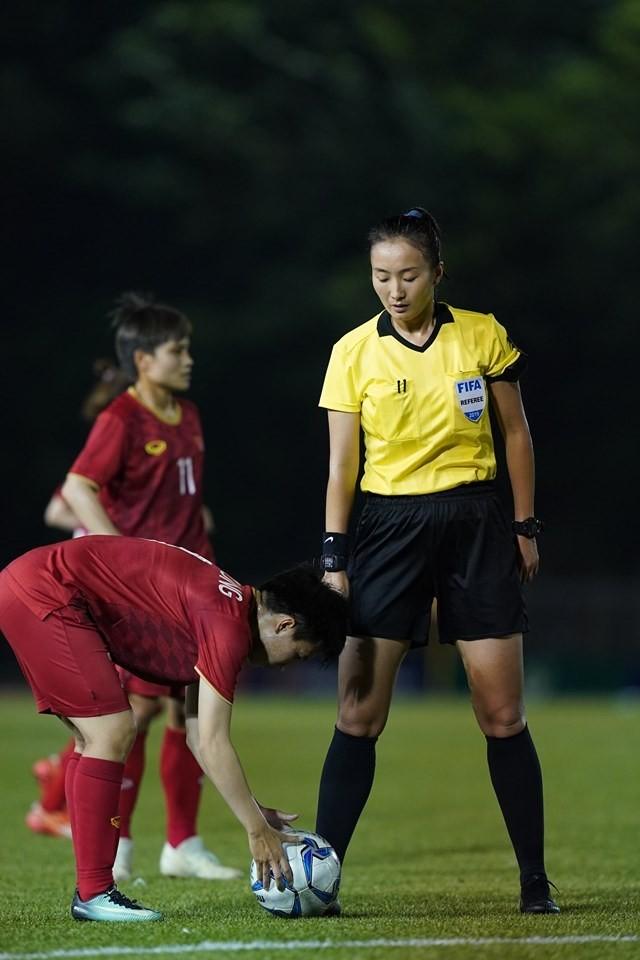 Ngắm tổ trọng tài 'hot girl' bắt trận Việt Nam- Philippines - ảnh 2