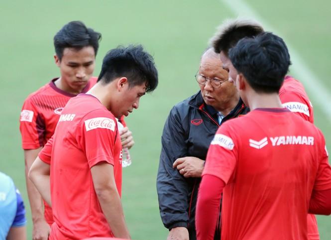 Tuyển U23 Việt Nam tập buổi đầu tại TP.HCM - ảnh 1