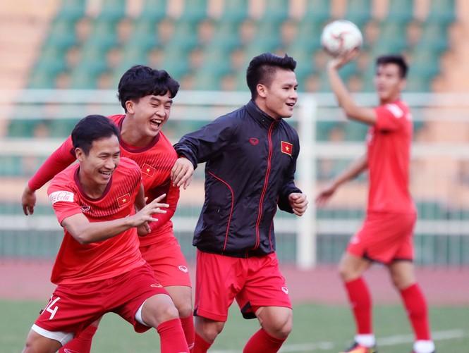 Tuyển U23 Việt Nam tập buổi đầu tại TP.HCM - ảnh 2