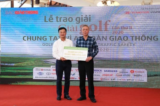 Golfer Hoàng Quân vô địch giải golf Chung tay vì ATGT 2020 - ảnh 1
