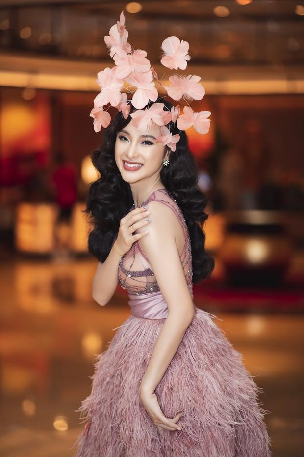 Angela Phương Trinh mặc váy trong suốt đi sự kiện - ảnh 1