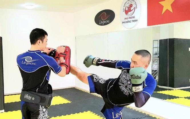 Johnny Trí Nguyễn tái xuất tại võ đường Hắc Báo MMA Club - ảnh 9