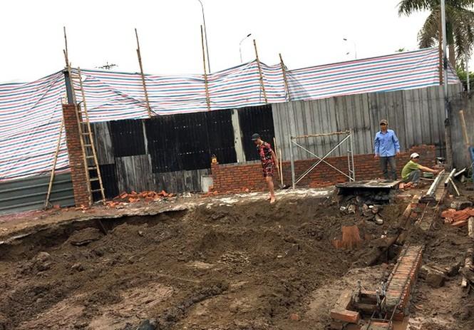 Chủ tịch Hà Nội yêu cầu xử lý nghiêm xưởng cồn trái phép  - ảnh 1