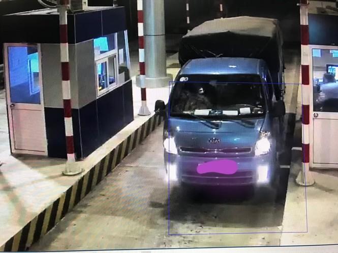 Nhiều ô tô bị ném trên cao tốc Lạng Sơn - Bắc Giang - ảnh 3
