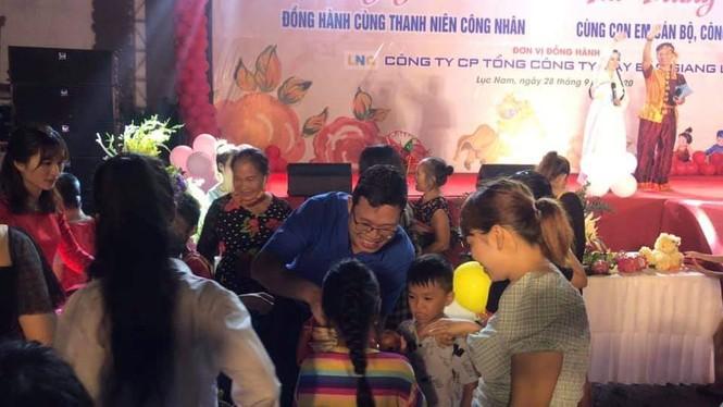 Tỉnh Đoàn Bắc Giang vận động hơn 1,5 tỷ đồng trao quà Trung thu cho trẻ khó khăn - ảnh 1