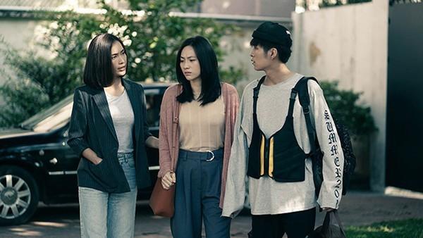 """Sau loạt hình """"gây bão"""", Ái Phương và Phương Anh Đào lại """"dính như sam"""" - ảnh 1"""