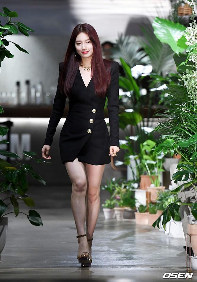 Sao Hàn đụng hàng: Hàng loạt sao Hàn mặc chung mẫu váy Balmain - ảnh 4