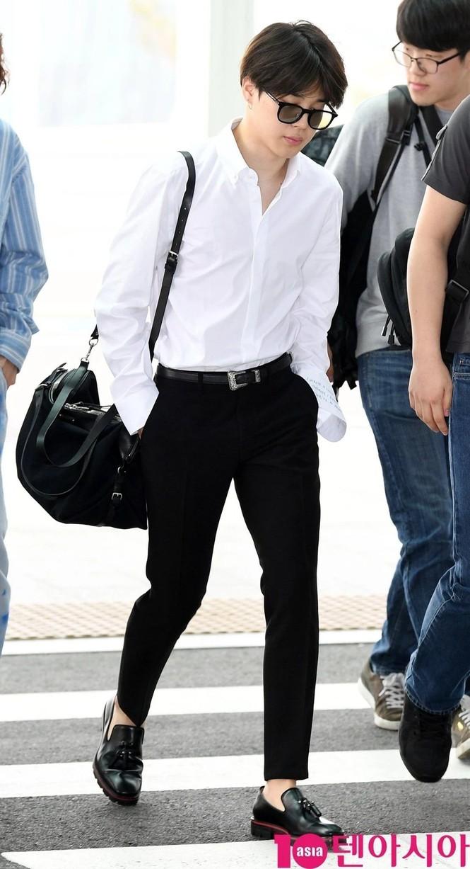 Túi hàng hiệu của BTS: Những chiếc túi sành điệu của nhóm BTS - ảnh 5