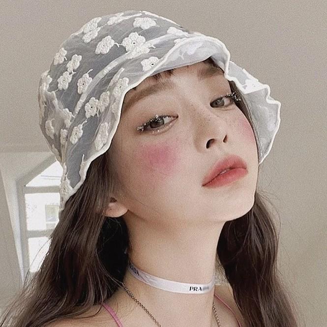 Mũ bucket ren: Kiểu mũ đang là hot trend của giới trẻ Hàn Quốc - ảnh 6