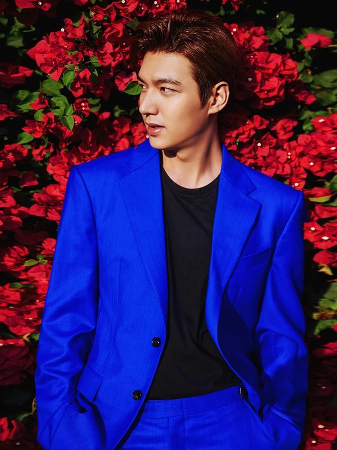 Ngắm Lee Min Ho trong các bộ suit để thấy nhan sắc cực phẩm của anh xứng hàng