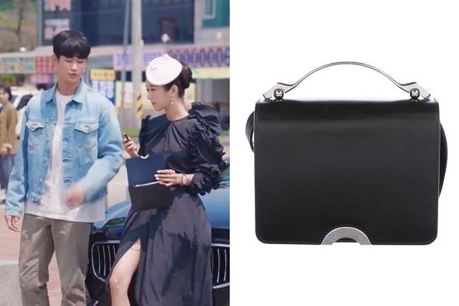 Loạt đồ hiệu siêu sang chảnh của Seo Ye Ji - nữ chính xinh đẹp trong drama Điên Thì Có Sao - ảnh 10
