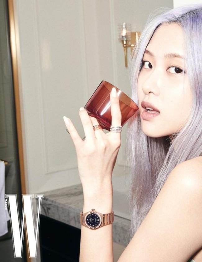 Rosé (BLACKPINK) lại có bộ ảnh siêu đẹp trên W tháng 8 với mái tóc tím khói thần thánh - ảnh 3
