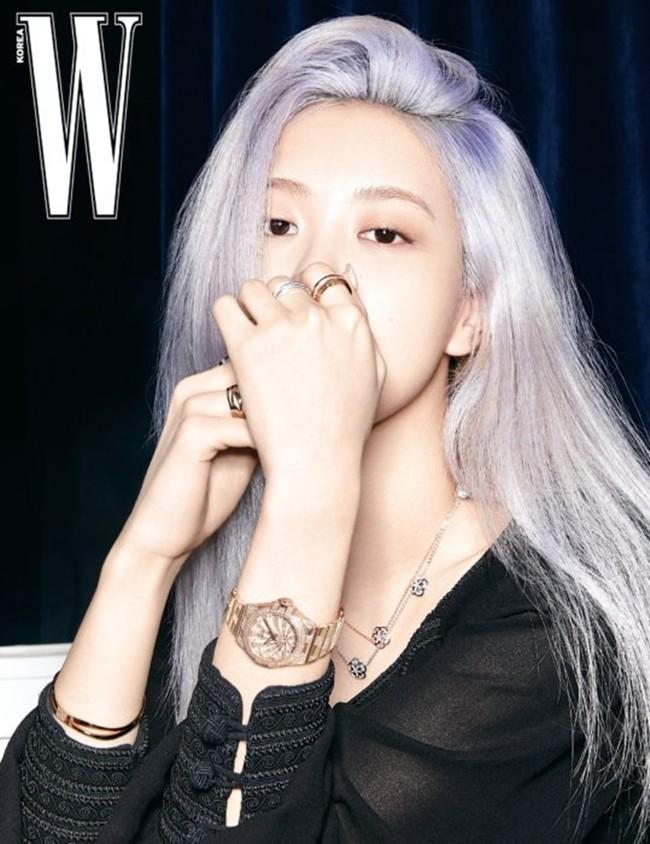 Rosé (BLACKPINK) lại có bộ ảnh siêu đẹp trên W tháng 8 với mái tóc tím khói thần thánh - ảnh 7