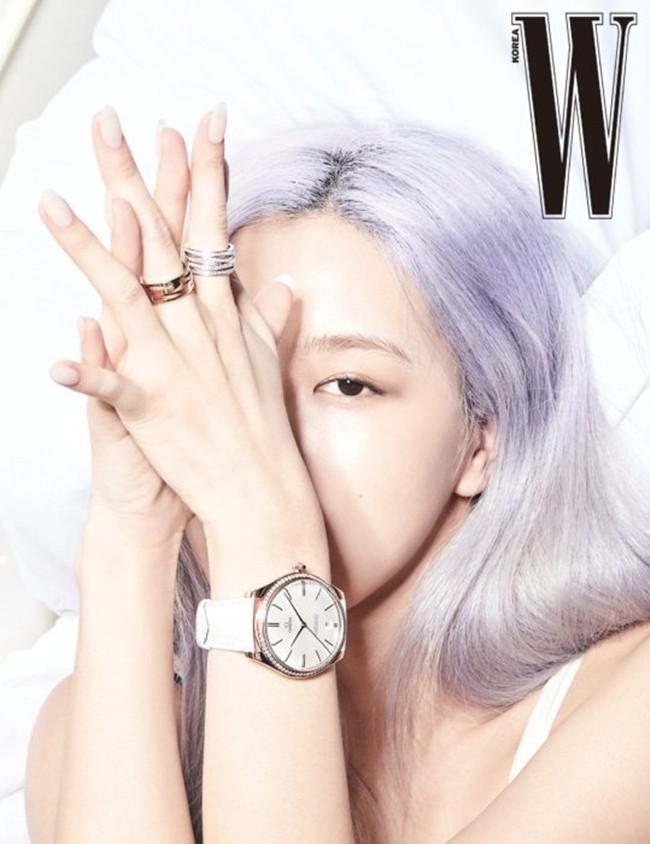 Rosé (BLACKPINK) lại có bộ ảnh siêu đẹp trên W tháng 8 với mái tóc tím khói thần thánh - ảnh 9