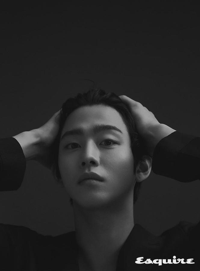 """Ahn Hyo Seop, """"mỹ nam"""" sở hữu đôi chân dài tít tắp, hình mẫu boyfriend mới của fangirl - ảnh 3"""