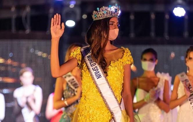 Không chấp nhận Hoa hậu đăng quang phải đeo khẩu trang, hàng loạt cuộc thi nhan sắc bị huỷ - ảnh 1