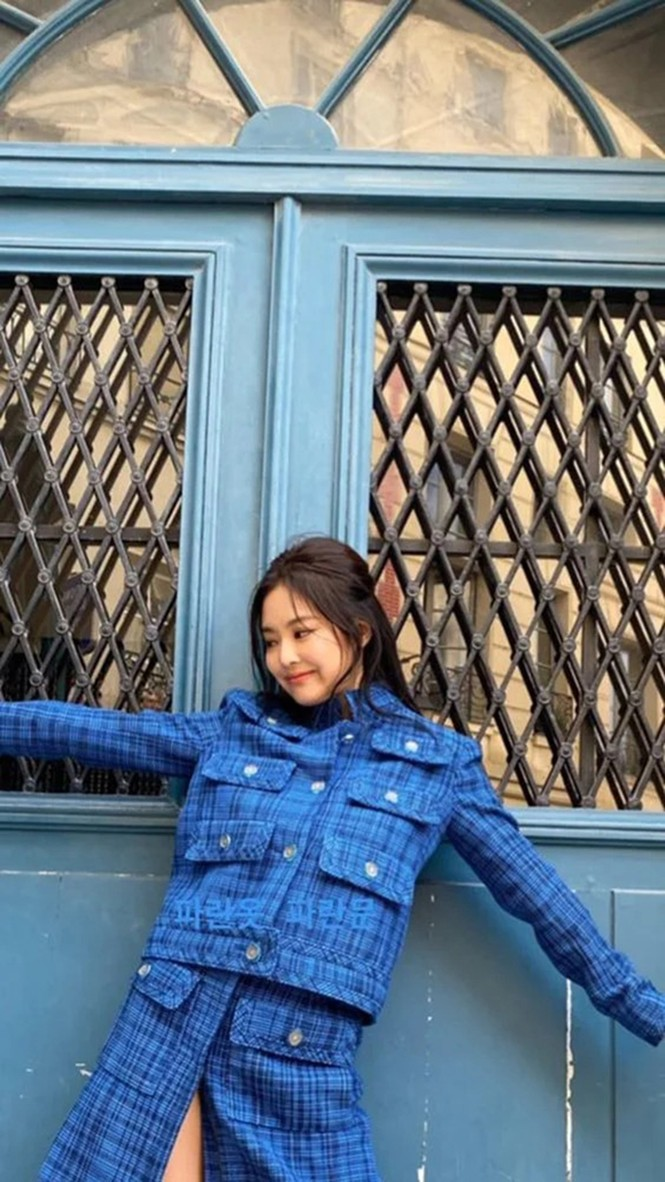 Đụng hàng Jennie, Lisa, Irene, YoonA, chị đẹp Son Ye Jin được khen hay bị chê nhiều hơn? - ảnh 2