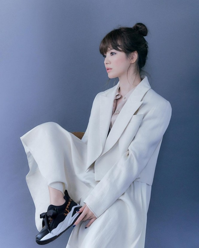 Song Hye Kyo tung bộ ảnh quảng cáo mới xinh sắc sảo, lọt Top 10 sao Hàn giàu nhất 2020 - ảnh 4