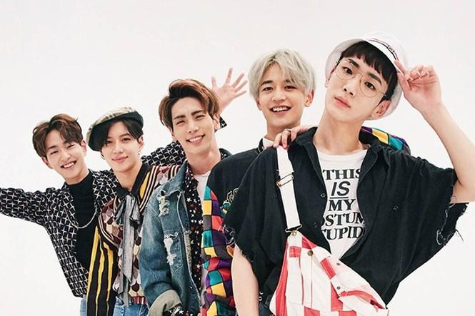 Bạn sẽ không nhịn được cười và thở phào vì các idol group đã không debut với cái tên này - ảnh 6