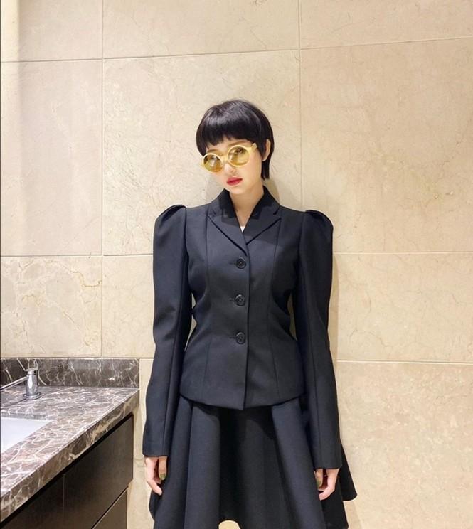 Ngọc Trinh, Jun Vũ, Phương Ly khoe khả năng cân mọi loại trang phục từ nữ tính đến cá tính - ảnh 3
