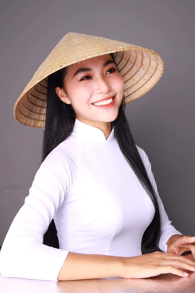 Lộ diện thí sinh Hoa Hậu Việt Nam có nụ cười giống Phạm Hương nhưng lại hâm mộ H'Hen Niê - ảnh 4
