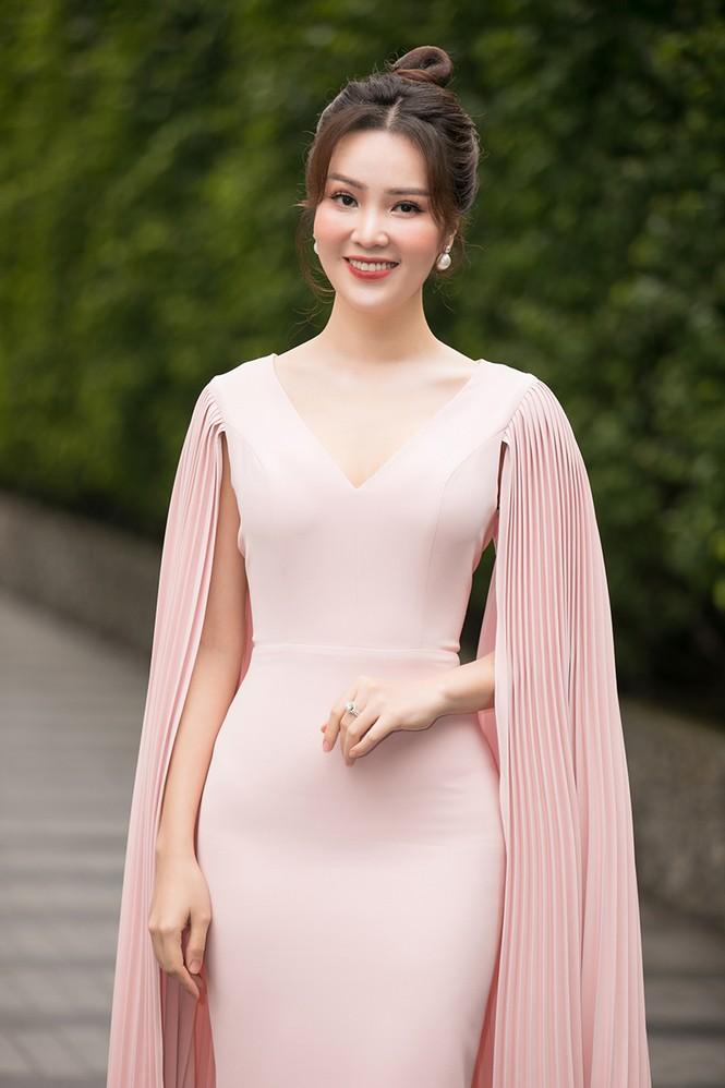 Dàn hậu xuất hiện xinh tươi trẻ trung bất ngờ trong buổi sơ khảo phía Nam Hoa Hậu Việt Nam 2020 - ảnh 7