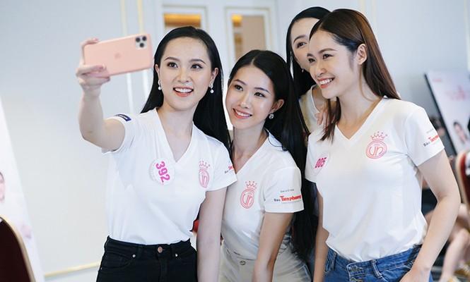 Top 60 Hoa Hậu Việt Nam 2020: Tập luyện hết mình,