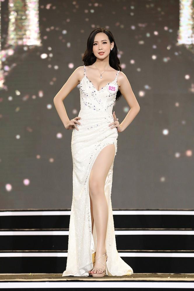Top 35 Hoa hậu Việt Nam 2020 chính thức lộ diện trong trang phục dạ hội xinh đẹp lộng lẫy - ảnh 10