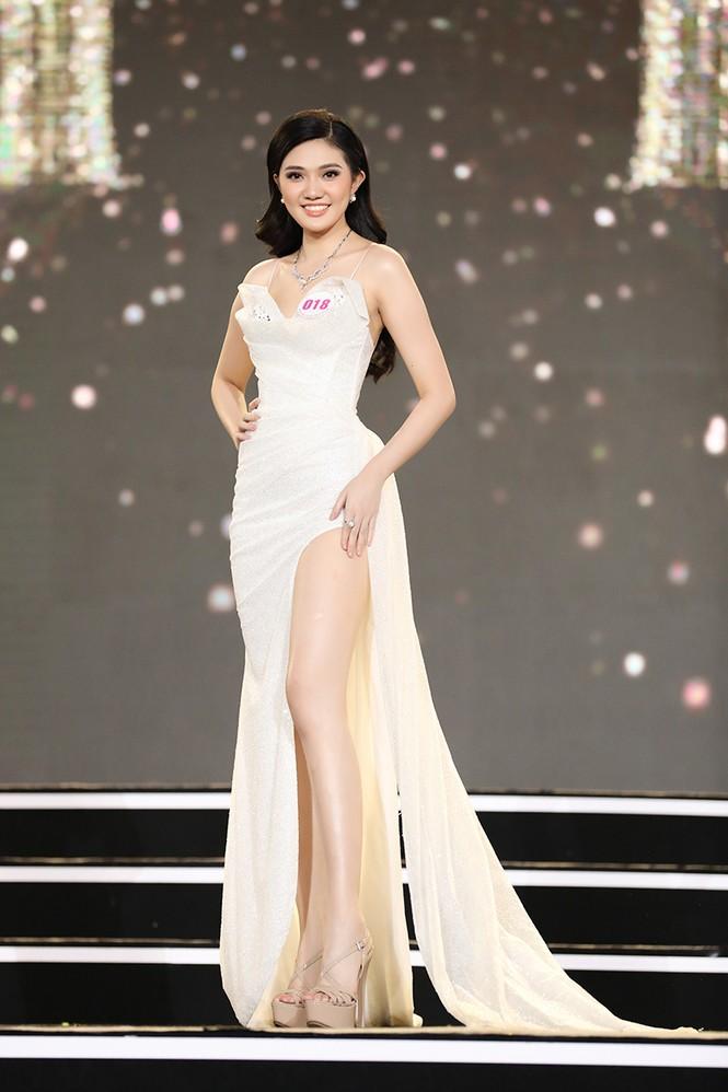 Top 35 Hoa hậu Việt Nam 2020 chính thức lộ diện trong trang phục dạ hội xinh đẹp lộng lẫy - ảnh 8