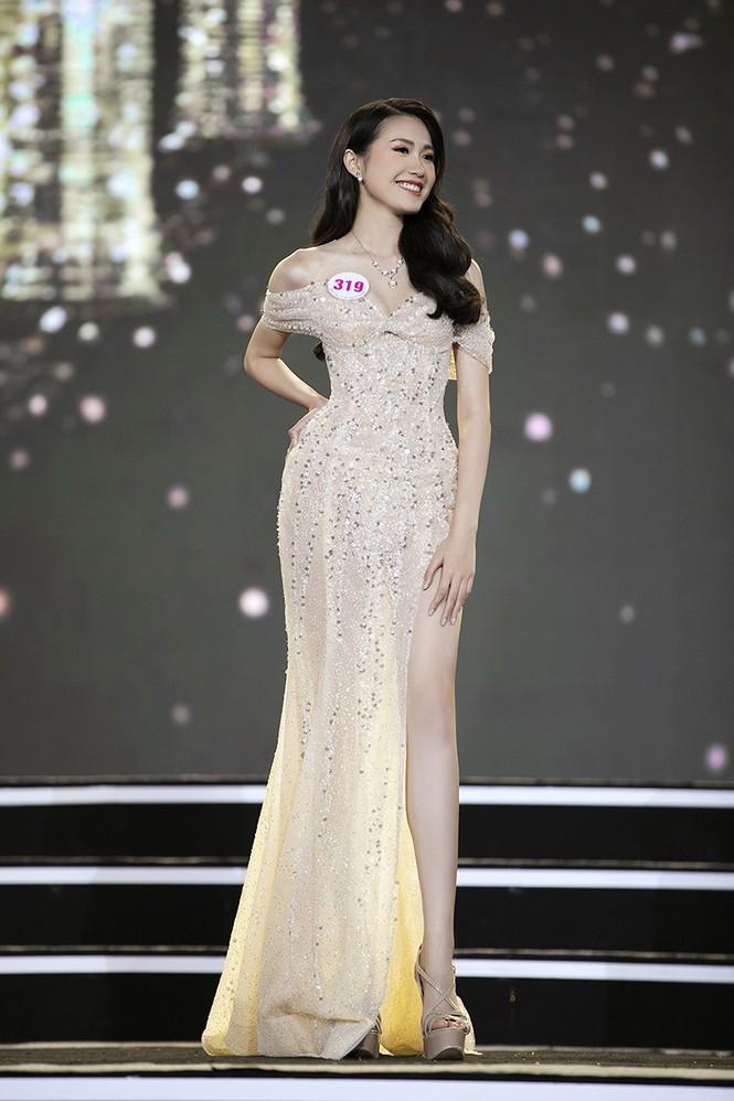 Top 35 Hoa hậu Việt Nam 2020 chính thức lộ diện trong trang phục dạ hội xinh đẹp lộng lẫy - ảnh 11