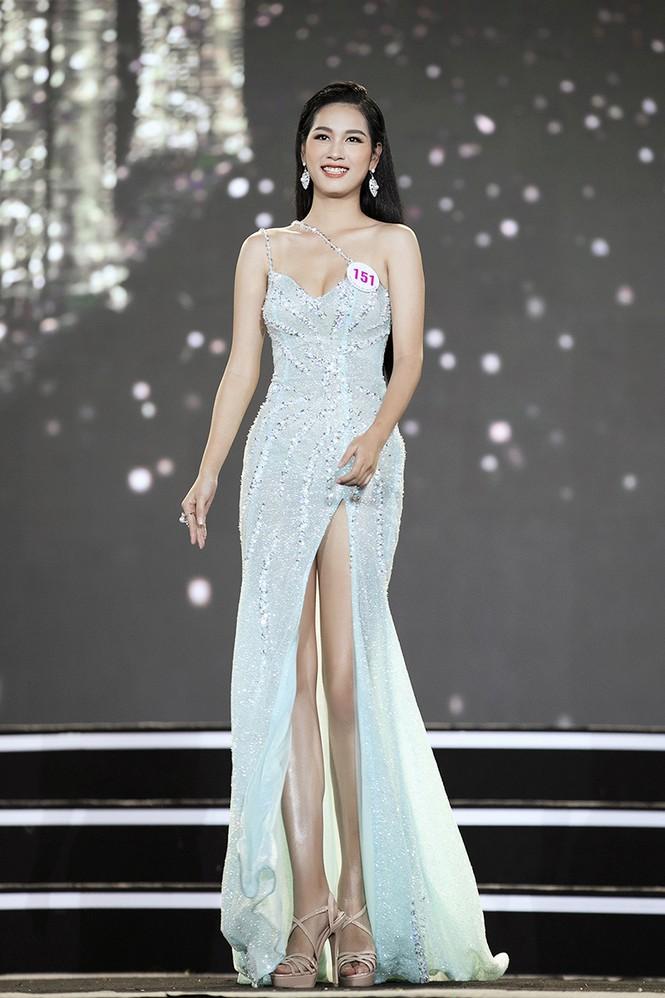 Top 35 Hoa hậu Việt Nam 2020 chính thức lộ diện trong trang phục dạ hội xinh đẹp lộng lẫy - ảnh 20