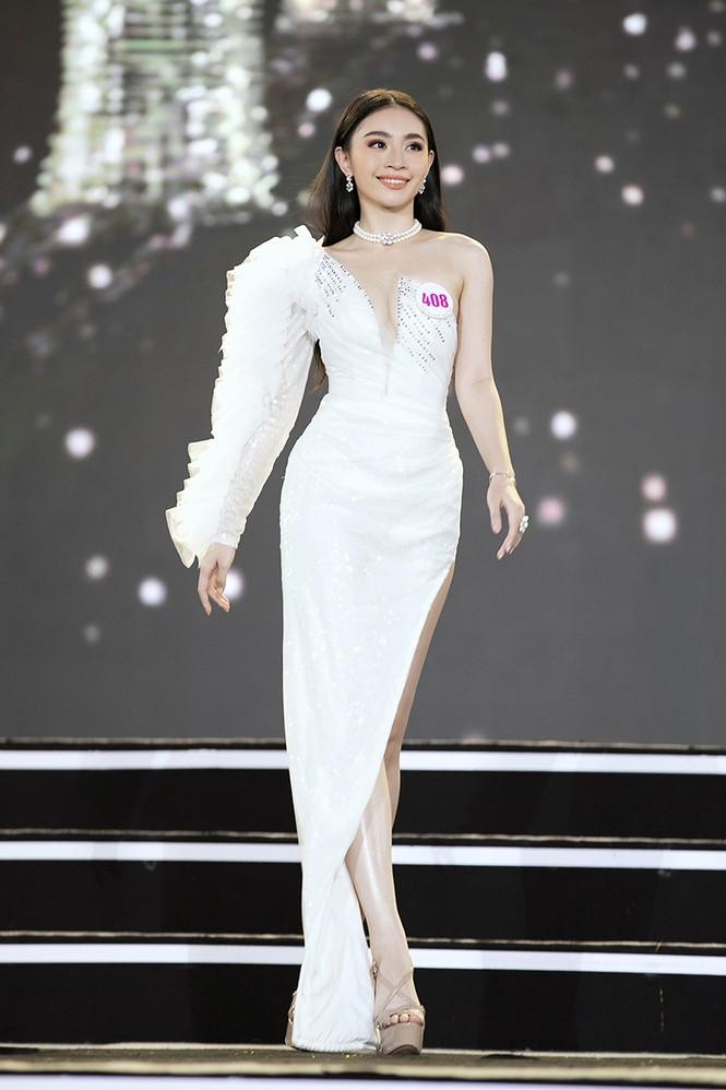 Top 35 Hoa hậu Việt Nam 2020 chính thức lộ diện trong trang phục dạ hội xinh đẹp lộng lẫy - ảnh 22