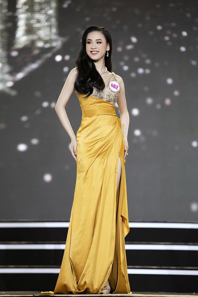 Top 35 Hoa hậu Việt Nam 2020 chính thức lộ diện trong trang phục dạ hội xinh đẹp lộng lẫy - ảnh 13