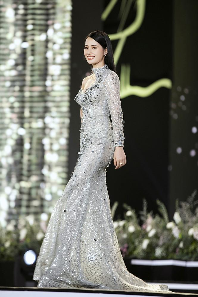 Top 35 Hoa hậu Việt Nam 2020 chính thức lộ diện trong trang phục dạ hội xinh đẹp lộng lẫy - ảnh 35