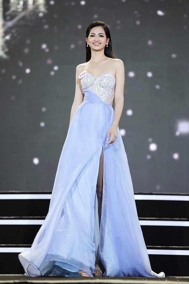 Top 35 Hoa hậu Việt Nam 2020 chính thức lộ diện trong trang phục dạ hội xinh đẹp lộng lẫy - ảnh 29