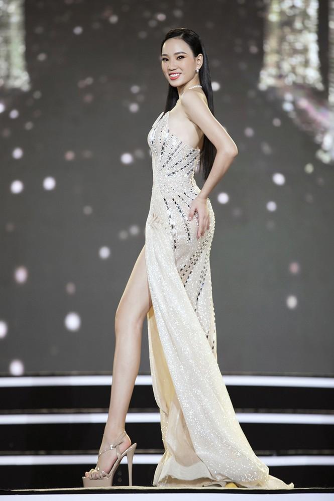 Top 35 Hoa hậu Việt Nam 2020 chính thức lộ diện trong trang phục dạ hội xinh đẹp lộng lẫy - ảnh 33