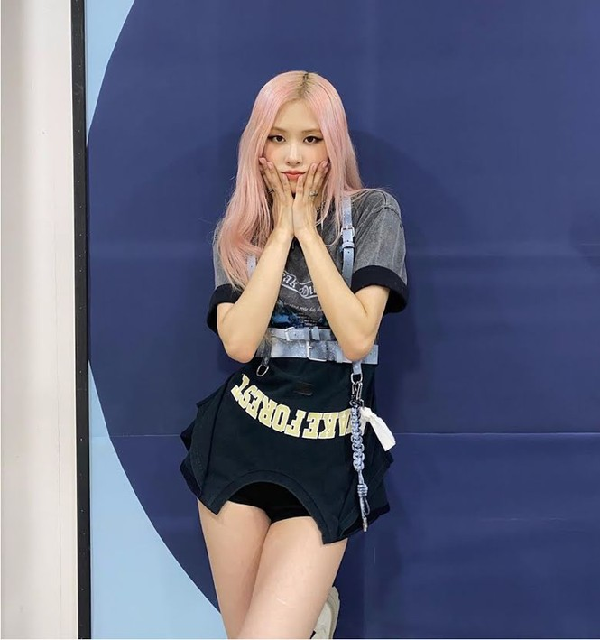 Người sở hữu mái tóc hồng đẹp nhất K-Pop không phải Rosé (BLACKPINK) mà là nam idol này - ảnh 1