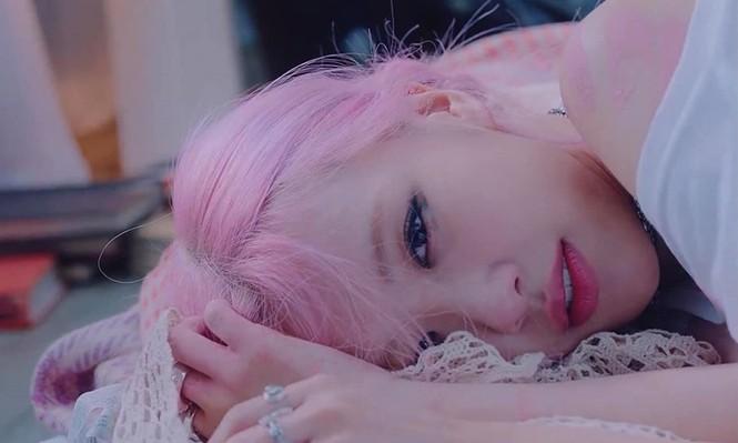 Người sở hữu mái tóc hồng đẹp nhất K-Pop không phải Rosé (BLACKPINK) mà là nam idol này - ảnh 2